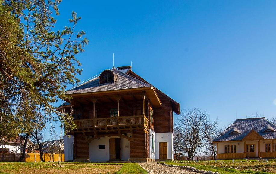 https://cjd.ro/storage/comunicate-de-presa/a-inceput-editia-de-primavara-a-targului-de-turism-al-romaniei-6.jfif